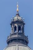 Budapest parlamentkupol Royaltyfri Bild