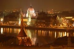 budapest parlamentsikt royaltyfri foto
