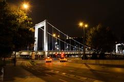 Budapest przy noc pięknym widokiem Erzsébet most, Hungar Zdjęcia Stock