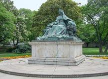budapest skulptur Arkivfoton