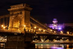 Budapest stad vid natt Fotografering för Bildbyråer
