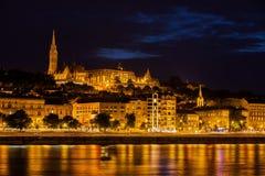 Budapest-Stadt bis zum Nacht stockfoto