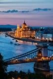 Budapest-Stadt an der Dämmerung stockfotos