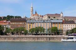 Budapest-Stadt Fischertürme die Donau Lizenzfreies Stockbild