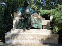 Budapest - Statue von anonymem stockbild