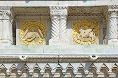 Budapest - symboler av St. matthew och St. luke Arkivbild