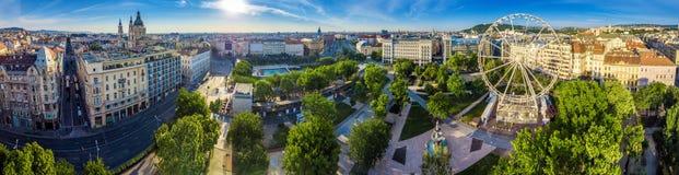 Budapest, Ungarn - Luftpanoramablick von Elisabeth-Quadrat Erzsebet-ter bei Sonnenaufgang stockfoto
