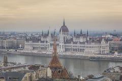 BUDAPEST UNGERN - DECEMBER 10, 2015: Parlament i Budapest Fotografering för Bildbyråer