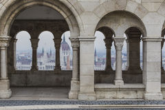 BUDAPEST UNGERN - DECEMBER 10, 2015: Parlament i Budapest Royaltyfri Fotografi