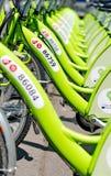 BUDAPEST UNGERN - JUNI 01 2014: Ny kallad Budapest cykelhyra Royaltyfria Bilder