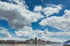 BUDAPEST UNGERN, JUNI 24 - 2018 - Red Bull luftlopp i mitten av huvudstaden Budapest, Ungern royaltyfri bild