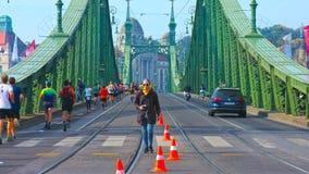 Budapest Ungern - MAI 01, 2019: Fågelsikt av Elizabeth BridgeErzsébet hÃd under sommar royaltyfri bild