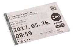 BUDAPEST UNGERN - MAJ 2017: BKK Budapest 24 timme TravelCard som isoleras på vit bakgrund Arkivfoton