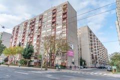 BUDAPEST UNGERN - OKTOBER 26, 2015: Byggnader i Budapest gammal Sovjetunionen arkitekturstil arkivfoton