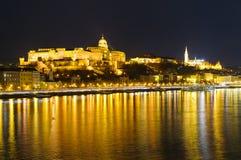 Budapest Ungern, på natten Royaltyfri Fotografi