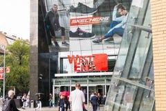 Budapest/Ungern -01 09 18: Shoppinggalleria för västra slut i den Budapest Ungern royaltyfria bilder