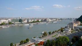 Budapest, Ungheria 27 agosto 2018: Vista di Città Vecchia e del Danubio video d archivio