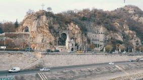 Budapest, Ungheria - 6 dicembre 2018: Parte della collina di Gellert a Budapest video d archivio