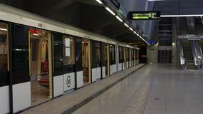 Budapest Ungheria 03 15 2019: La stazione palyaudvar di Keleti dalla nuova linea 4 della metropolitana a Budapest, Ungheria fotografia stock libera da diritti