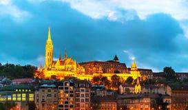 Budapest vieja con la iglesia de Matías Foto de archivo libre de regalías