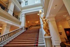 BUDAPEST WĘGRY, CZERWIEC, - 3, 2017: Wewnętrzny uroczystego schody insid fotografia royalty free