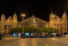 BUDAPEST WĘGRY, MAJ, - 5, 2018: Nyugati stacja kolejowa przy nocą w Budapest Jeden znacząca i piękna kolej s obrazy royalty free