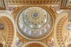 BUDAPEST WĘGRY, PAŹDZIERNIK, - 26, 2015: St Stephen bazylika w Budapest Wewnętrznych szczegółach Podsufitowi elementy Zdjęcie Stock