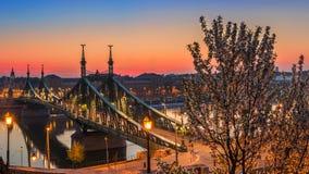 Budapest, Węgry - Panoramiczny linia horyzontu widok Budapest przy wiosna czasem strzelał od Gellert wzgórza Obraz Stock