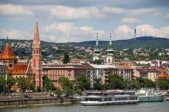 Budapest, Węgry Piękny Danube bulwar w lecie Fotografia Royalty Free
