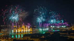Budapest, Węgry - piękny 20th Sierpniowi fajerwerki nad rzecznym Danube Obrazy Royalty Free