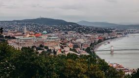 Budapesta sikt från Citadela royaltyfri bild