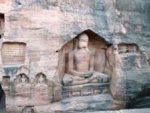 Budas antigas na rocha de Gwalior/Índia foto de stock royalty free
