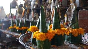 Budas e ofertas eretas Fotos de Stock