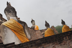 Budda-Statuen bei Wat Yai Chai Mongkon Lizenzfreies Stockbild