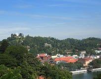 Budda - von der Oberseite - Stadt-Ansicht Stockfoto