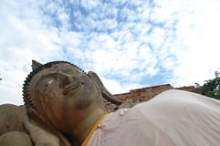 Buddha adagiantesi del tempio Ayutthaya, Tailandia di Putthaisawan Fotografia Stock Libera da Diritti
