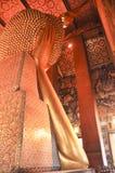 Buddha adagiantesi in pho Bangkok, Tailandia del wat 28 gennaio: Buddha adagiantesi in pho del wat il 28 gennaio 2015 Fotografia Stock Libera da Diritti