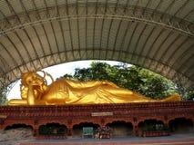 Buddha Amnat Charoen, Thailand royaltyfri foto