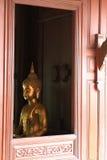 Buddha & finestra dorati Fotografia Stock Libera da Diritti