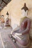 Buddha av den Aranyikawas templet på Ratchaburi Thailand Royaltyfri Bild