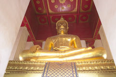 Buddha av den Monkonbapit templet på Ayutthaya Royaltyfri Fotografi