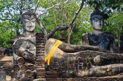 Buddha avbildar i Kamphaeng historiska Phet parkerar, Thailand Arkivfoton