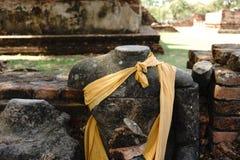 Buddha bez głowy w świątyni zdjęcie stock