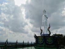 Buddha-Bild des heiligen Rechtes im Tempel von Thailand lizenzfreie stockbilder