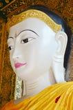 Buddha-Bildstatue Birma-Art von Shwedagon-Pagode Stockfotos