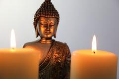 Buddha blask świecy i statua obrazy stock
