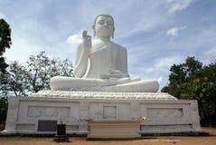 Buddha branco em Mihintale Fotografia de Stock Royalty Free