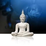 Buddha branco, isolado (incl. trajeto de grampeamento) Foto de Stock Royalty Free