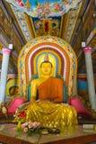 Buddha in buddhistischem Tempel Bandarawela auf Sri Lanka stockfotografie