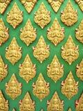 Buddha ściana Tajlandzki stylu wzoru projekt Zdjęcia Royalty Free